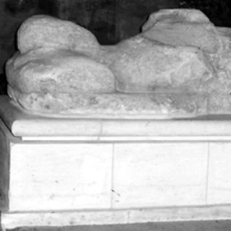 This freestone military effigy in the north aisle of Hungerford church reclines on a low modern base