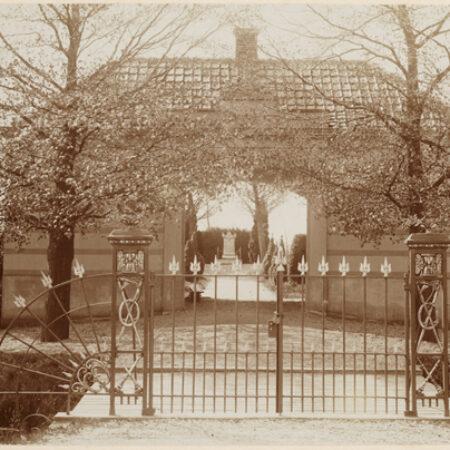 Fig 1 entrance to Old Cemetery Boskoop 1897