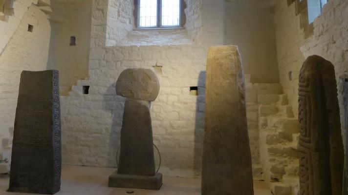 Llanilltud stones